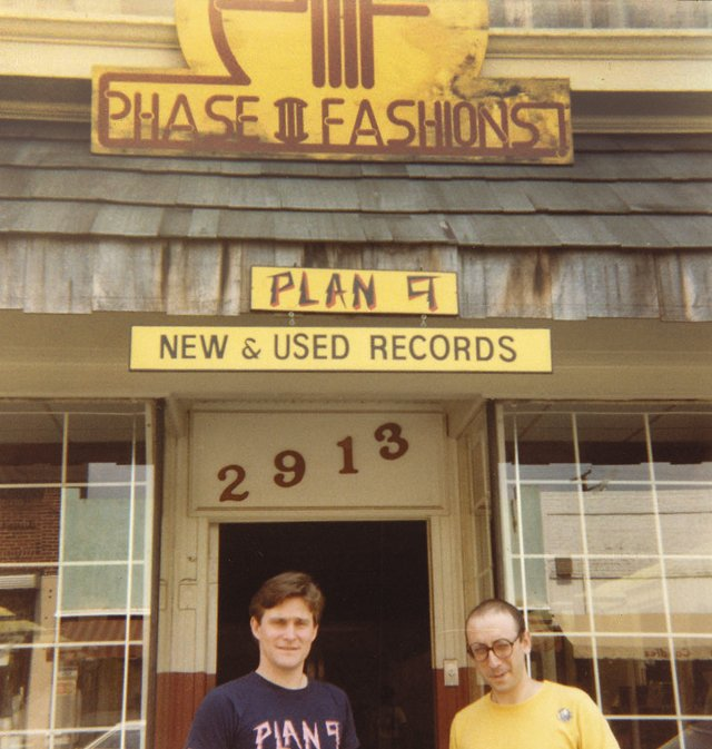 FEA_Plan9_Jim&Pedie_COURTESYTOMCAMPAGNOLI_rp0721.jpg