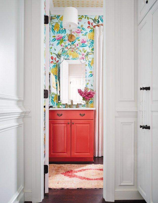 Feature_GreenbrierGeorgian_Bathroom_KIPDAWKINS_hp0721.jpg