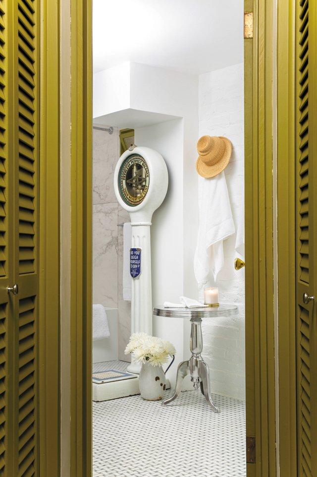 Features_ArtAficionado_Bathroom_KHANDTENNEY_hp0921.jpg