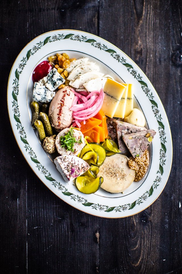 Eat&Drink_Shorts_5Faves_Cheeseboards_Grisette_Smorgasboard_JUSTIN_CHESNEY_rp1021.jpg