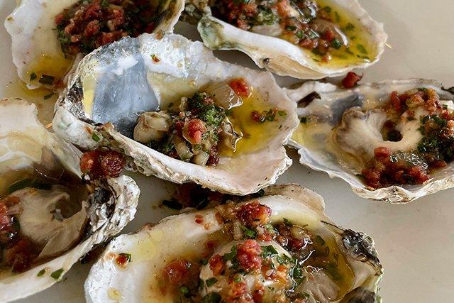 oysters_eileen-mellon_teaser.jpg