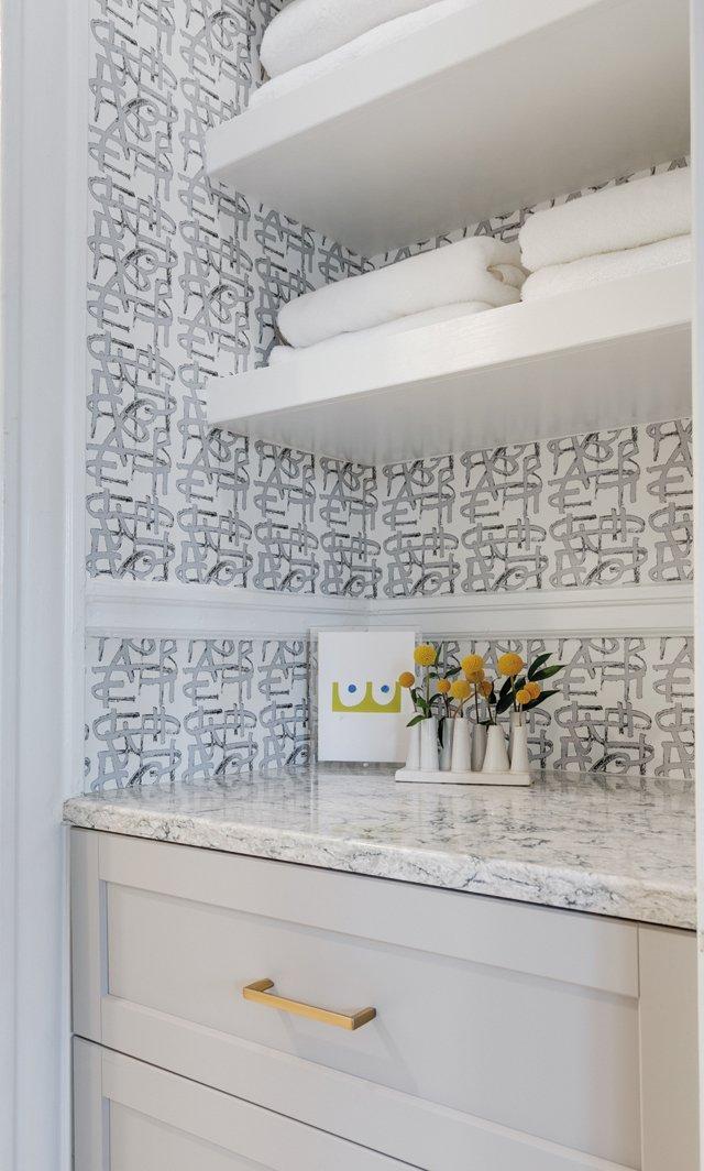 Features_PaintersParadise_Bathroom_MINDIEBALLARD_hp0921.jpg