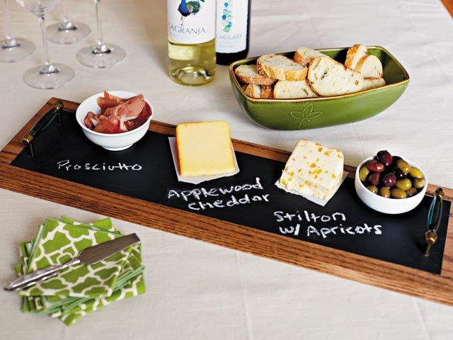 chalkboard-serving-tray-diy.jpg
