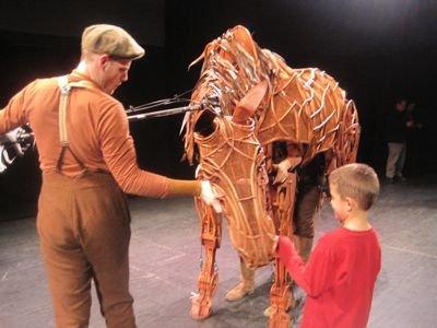 war-horse-puppet.jpg