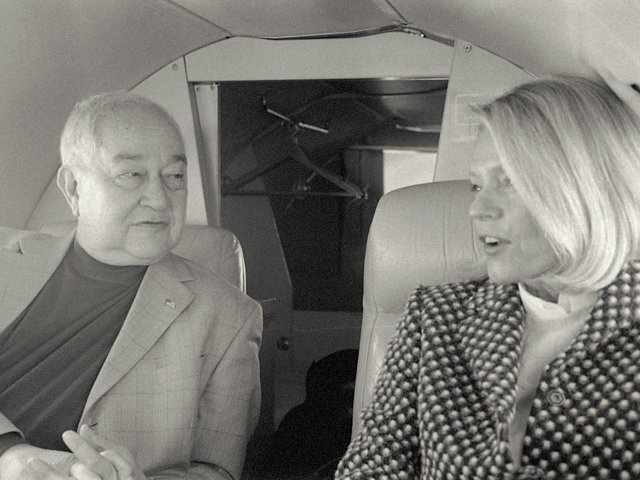 bev-and-alan-private-jet.jpg