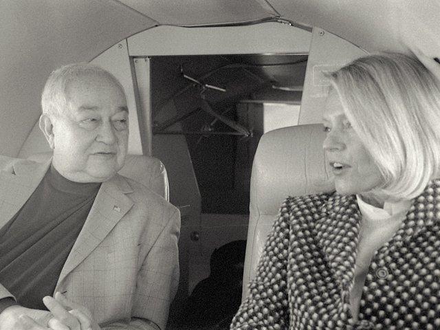 bev-and-alan-private-jet.jpg
