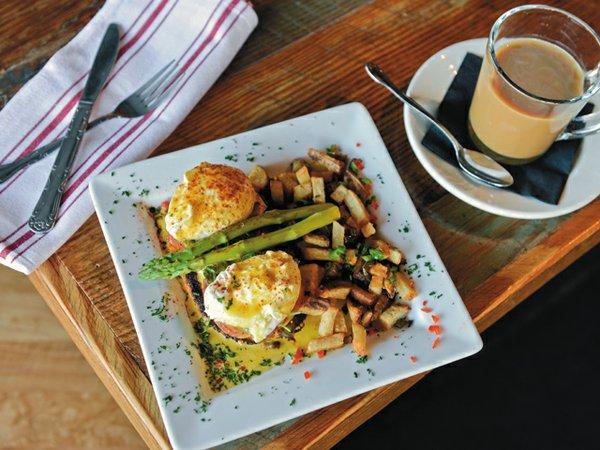 breakfast_lunch_bennie_rp0115.jpg