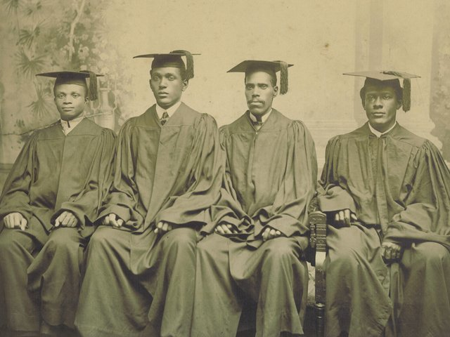 VUU-first-graduating-class-1902.jpg