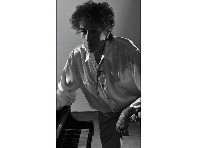 Datebook_Bob-Dylan_rp0415.jpg