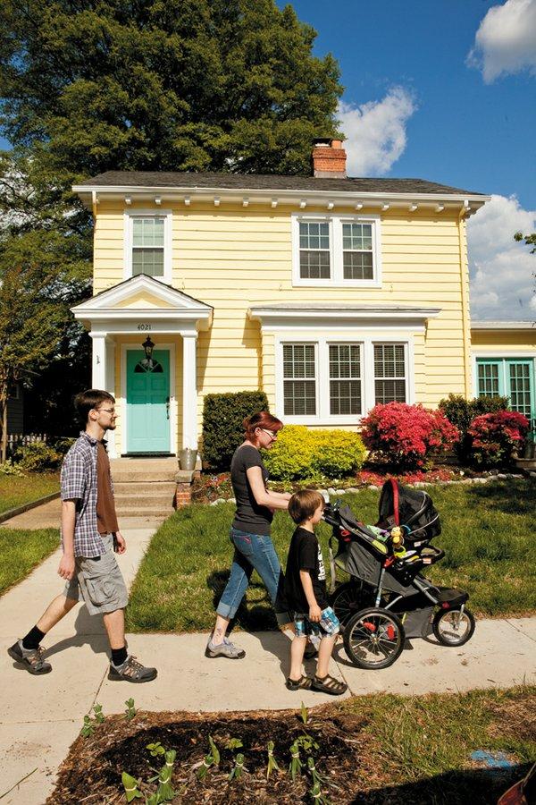 RealEstate_WhatsHot_Bellevue_JAYPAUL_rp0615.jpg