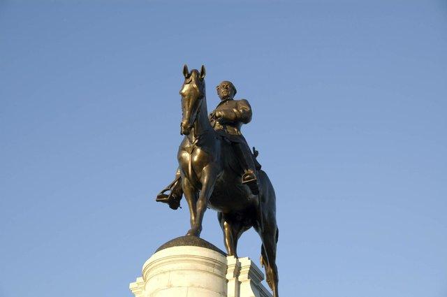 Gen. Robert E. Lee Monument