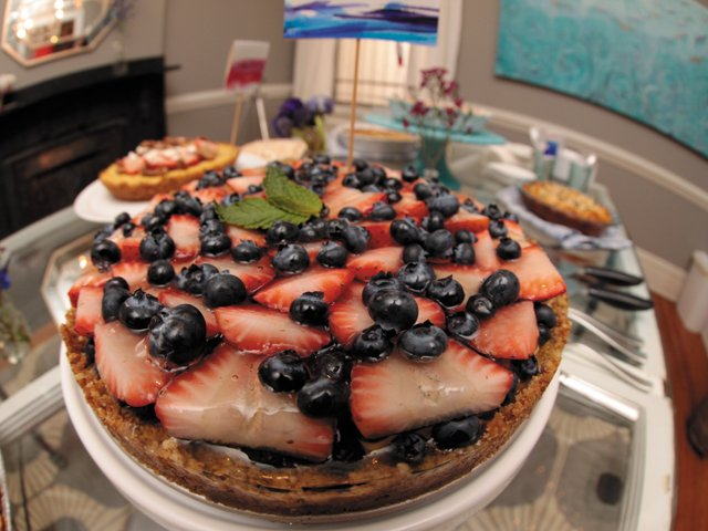 Gingersnap Berry Pie