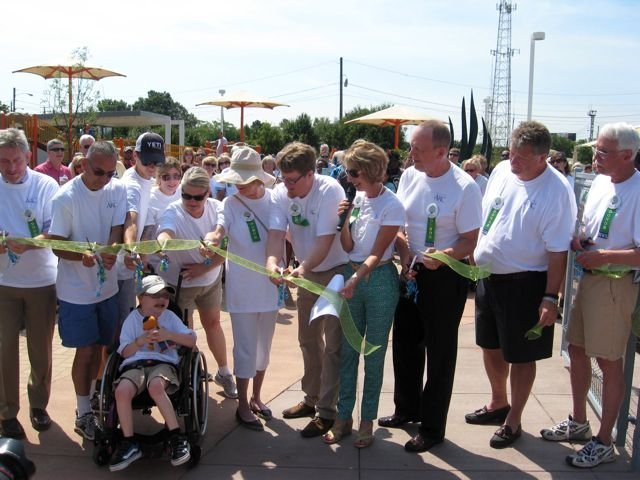 Ribbon Cutting2.jpg
