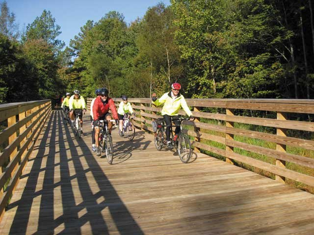 BikeRides_CapitolTrail_Bikers_rp0915.jpg