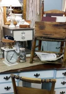 RVA Antiques: Stone Creek Antiques Booth