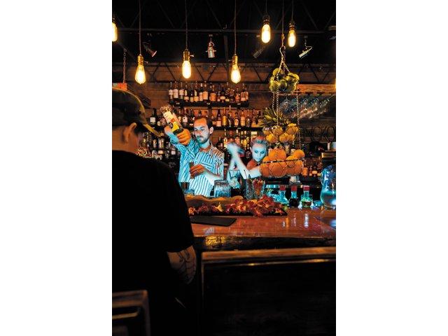 Dining_review_Sabai_bar_BETH_FURGURSON_rp1215.jpg